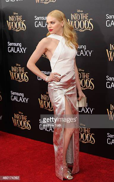 Actress MacKenzie Mauzy attends the 'Into The Woods' world premiere at Ziegfeld Theater on December 8 2014 in New York City