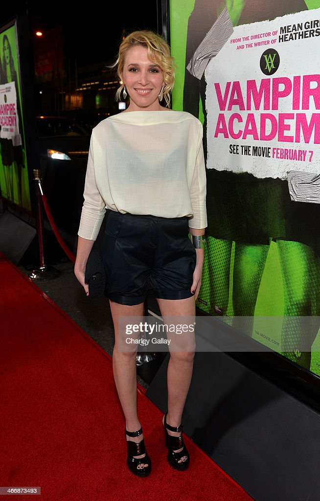Actress Madelyn Deutch arrives at The Weinstein Company's premiere of 'Vampire Academy' at Regal 14 at L.A. Live Downtown on February 4, 2014 in Los Angeles, California.