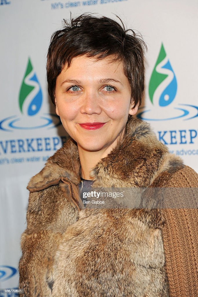 Actress <a gi-track='captionPersonalityLinkClicked' href=/galleries/search?phrase=Maggie+Gyllenhaal&family=editorial&specificpeople=202607 ng-click='$event.stopPropagation()'>Maggie Gyllenhaal</a> attends the 2013 Riverkeeper's Fishermen's Ball at Pier 60 on April 16, 2013 in New York City.
