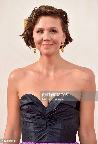 Actress Maggie Gyllenhaal attends the 67th Emmy Awards at Microsoft Theater on September 20 2015 in Los Angeles California 25720_001