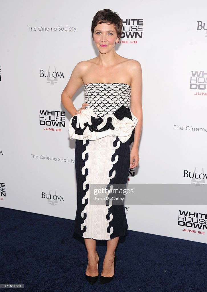 Actress <a gi-track='captionPersonalityLinkClicked' href=/galleries/search?phrase=Maggie+Gyllenhaal&family=editorial&specificpeople=202607 ng-click='$event.stopPropagation()'>Maggie Gyllenhaal</a> attends 'White House Down' New York Premiere at Ziegfeld Theater on June 25, 2013 in New York City.