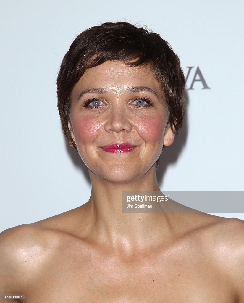 Actress Maggie Gyllenhaal attends 'White House Down' New York Premiere at Ziegfeld Theater on June 25, 2013 in New York City.