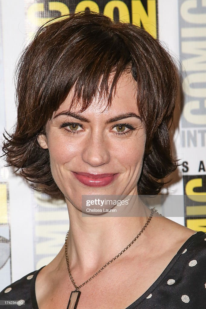 Actress <a gi-track='captionPersonalityLinkClicked' href=/galleries/search?phrase=Maggie+Siff&family=editorial&specificpeople=4407086 ng-click='$event.stopPropagation()'>Maggie Siff</a> attends the 'Sons of Anarchy' press line during day 4 of Comic-Con International on July 21, 2013 in San Diego, California.