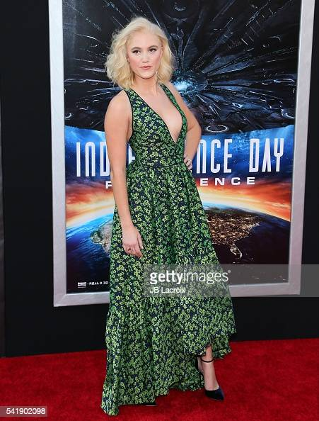 Actress Maika Monroe attends the premiere of 20th Century Fox's 'Independence Day Resurgence' at TCL Chinese Theatre on June 20 2016 in Hollywood...