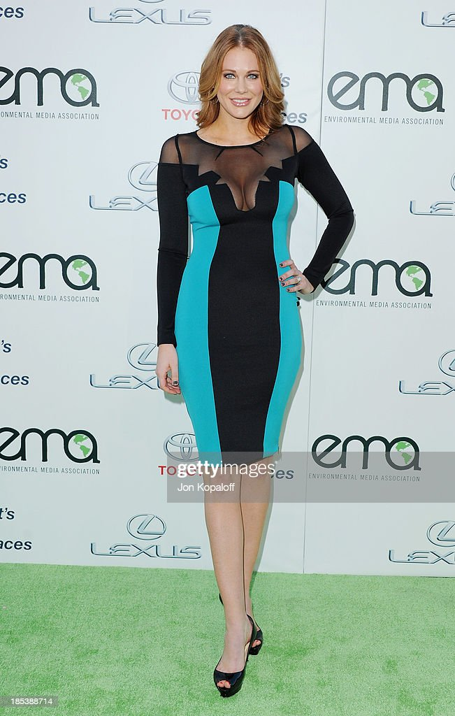 Actress <a gi-track='captionPersonalityLinkClicked' href=/galleries/search?phrase=Maitland+Ward&family=editorial&specificpeople=2850630 ng-click='$event.stopPropagation()'>Maitland Ward</a> arrives at the 2013 Environmental Media Awards at Warner Bros. Studios on October 19, 2013 in Burbank, California.