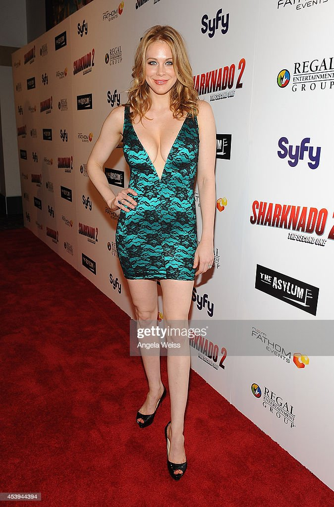 Actress <a gi-track='captionPersonalityLinkClicked' href=/galleries/search?phrase=Maitland+Ward&family=editorial&specificpeople=2850630 ng-click='$event.stopPropagation()'>Maitland Ward</a> attends the premiere of The Asylum & Fathom Events' 'Sharknado 2: The Second One' at Regal Cinemas L.A. Live on August 21, 2014 in Los Angeles, California.