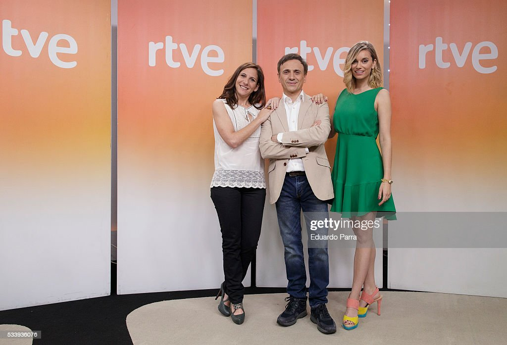 Actress Malena Alterio, actor Jose Mota and actress <a gi-track='captionPersonalityLinkClicked' href=/galleries/search?phrase=Norma+Ruiz&family=editorial&specificpeople=4152734 ng-click='$event.stopPropagation()'>Norma Ruiz</a> attend 'El hombre de tu vida' press conference at RTVE studios on May 24, 2016 in Madrid, Spain.