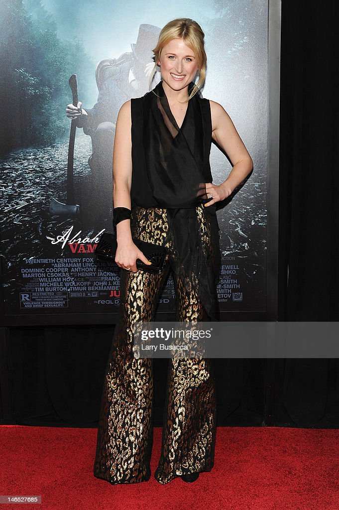 Actress Mamie Gummer attends the 'Abraham Lincoln: Vampire Hunter' premiere at AMC Loews Lincoln Square on June 18, 2012 in New York City.