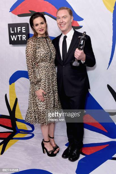 Actress Mandy Moore and Stuart Vevers of Coach pose on the Winners Walk during 2017 CFDA Fashion Awards at Hammerstein Ballroom on June 5 2017 in New...
