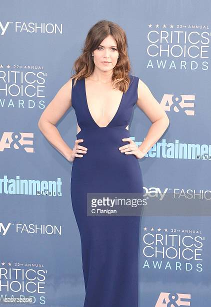 Actress Mandy Moore arrives at the The 22nd Annual Critics' Choice Awards at Barker Hangar on December 11 2016 in Santa Monica California