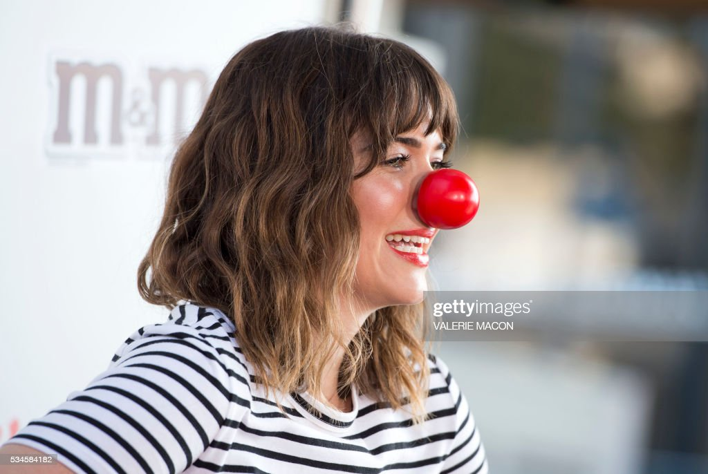 Actress Mandy Moore attends the 2nd Red Nose Day Special on NBC, in Universal Studios, California, on May 26, 2016. / AFP / VALERIE