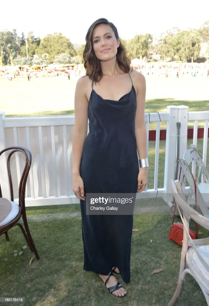 Actress <a gi-track='captionPersonalityLinkClicked' href=/galleries/search?phrase=Mandy+Moore+-+Singer+and+Actress&family=editorial&specificpeople=171637 ng-click='$event.stopPropagation()'>Mandy Moore</a> attends The Fourth-Annual Veuve Clicquot Polo Classic, Los Angeles at Will Rogers State Historic Park on October 5, 2013 in Pacific Palisades, California.