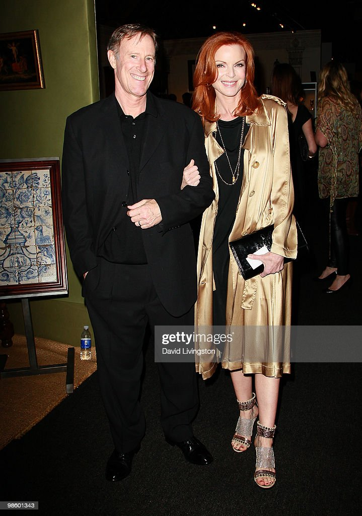 Actress <a gi-track='captionPersonalityLinkClicked' href=/galleries/search?phrase=Marcia+Cross&family=editorial&specificpeople=202844 ng-click='$event.stopPropagation()'>Marcia Cross</a> (R) and husband Tom Mahoney attend the 15th Annual Los Angeles Antique Show Opening Night Preview Party benefiting P.S. ARTS at Barker Hanger on April 21, 2010 in Santa Monica, California.