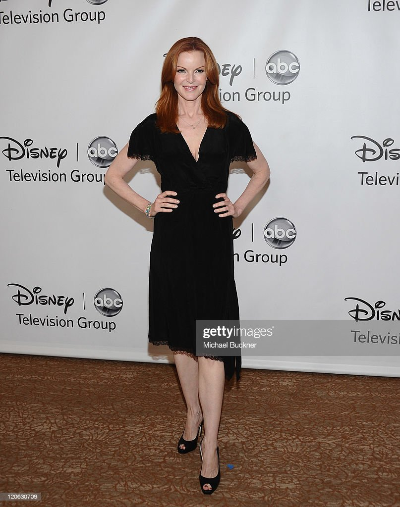 Actress <a gi-track='captionPersonalityLinkClicked' href=/galleries/search?phrase=Marcia+Cross&family=editorial&specificpeople=202844 ng-click='$event.stopPropagation()'>Marcia Cross</a> arrives at the Disney ABC Television Group's 'TCA 2001 Summer Press Tour' at the Beverly Hilton Hotel on August 7, 2011 in Beverly Hills, California.