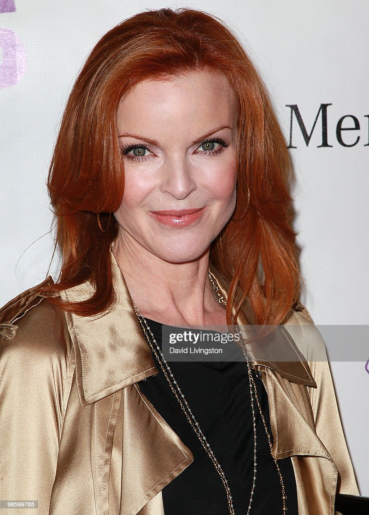 Actress <a gi-track='captionPersonalityLinkClicked' href=/galleries/search?phrase=Marcia+Cross&family=editorial&specificpeople=202844 ng-click='$event.stopPropagation()'>Marcia Cross</a> attends the 15th Annual Los Angeles Antique Show Opening Night Preview Party benefiting P.S. ARTS at Barker Hanger on April 21, 2010 in Santa Monica, California.
