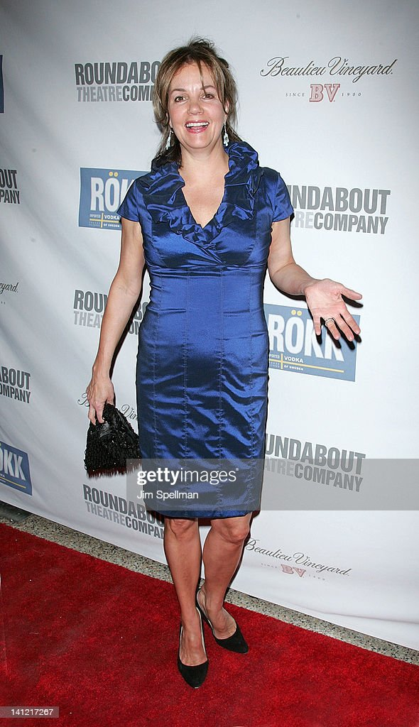 Actress <a gi-track='captionPersonalityLinkClicked' href=/galleries/search?phrase=Margaret+Colin&family=editorial&specificpeople=960975 ng-click='$event.stopPropagation()'>Margaret Colin</a> attends The Roundabout Theatre 2012 Spring Gala 'From Screen to Stage' dinner and auction at the Hammerstein Ballroom on March 12, 2012 in New York City.
