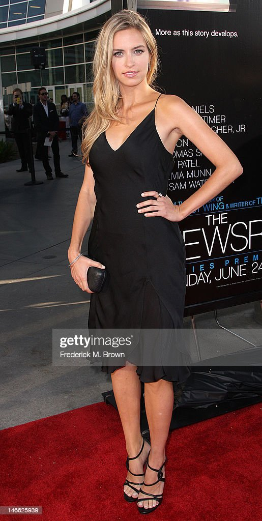 Actress Margaret Judson attends the Premiere Of HBO's 'The Newsroom' at the ArcLight Cinemas Cinerama Dome on June 20, 2012 in Hollywood, California.