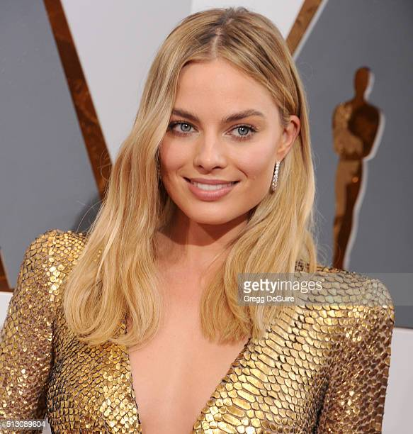 Actress Margot Robbie arrives at the 88th Annual Academy Awards at Hollywood Highland Center on February 28 2016 in Hollywood California
