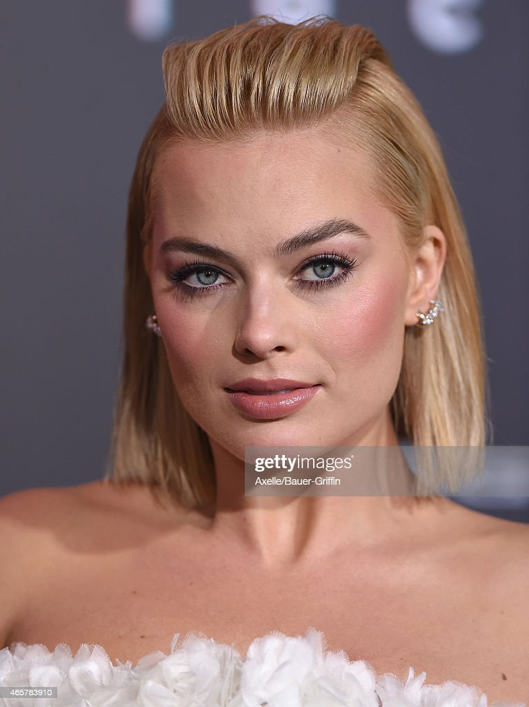 Actress Margot Robbie arrives at the Los Angeles World Premiere of Warner Bros. Pictures 'Focus' at TCL Chinese Theatre on February 24, 2015 in Hollywood, California.