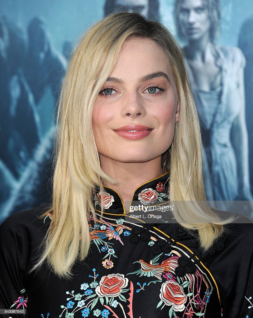 Actress <a gi-track='captionPersonalityLinkClicked' href=/galleries/search?phrase=Margot+Robbie&family=editorial&specificpeople=5781742 ng-click='$event.stopPropagation()'>Margot Robbie</a> arrives for the Premiere Of Warner Bros. Pictures' 'The Legend Of Tarzan' held at The Dolby Theatre on June 27, 2016 in Hollywood, California.