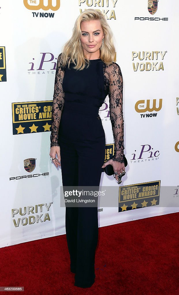 Actress <a gi-track='captionPersonalityLinkClicked' href=/galleries/search?phrase=Margot+Robbie&family=editorial&specificpeople=5781742 ng-click='$event.stopPropagation()'>Margot Robbie</a> attends the 19th Annual Critics' Choice Movie Awards at Barker Hangar on January 16, 2014 in Santa Monica, California.
