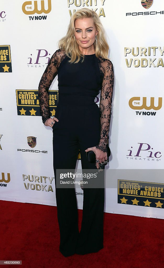 Actress Margot Robbie attends the 19th Annual Critics' Choice Movie Awards at Barker Hangar on January 16, 2014 in Santa Monica, California.