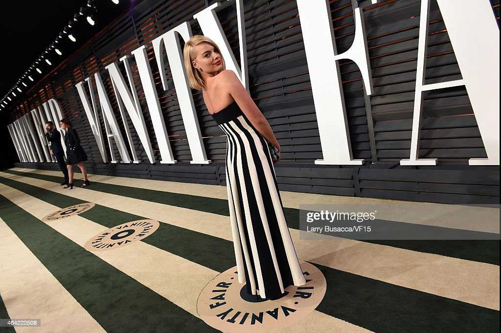 Actress Margot Robbie attends the 2015 Vanity Fair Oscar Party hosted by Graydon Carter at the Wallis Annenberg Center for the Performing Arts on February 22, 2015 in Beverly Hills, California.