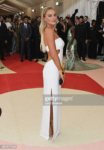 Actress Margot Robbie attends the 'Manus x Machina Fashion In An Age Of Technology' Costume Institute Gala at Metropolitan Museum of Art on May 2...