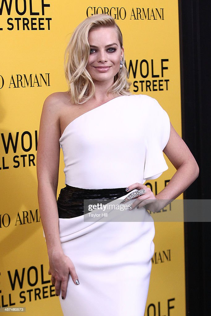 Actress Margot Robbie attends the 'The Wolf Of Wall Street' premiere at Ziegfeld Theater on December 17, 2013 in New York City.