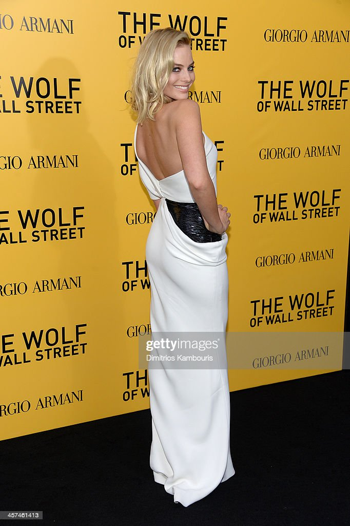 Actress <a gi-track='captionPersonalityLinkClicked' href=/galleries/search?phrase=Margot+Robbie&family=editorial&specificpeople=5781742 ng-click='$event.stopPropagation()'>Margot Robbie</a> attends the 'The Wolf Of Wall Street' premiere at the Ziegfeld Theatre on December 17, 2013 in New York City.