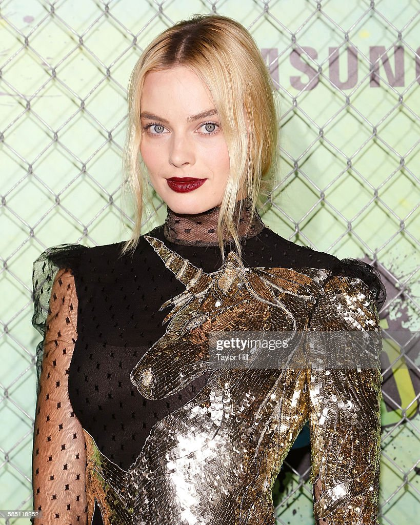 Actress Margot Robbie attends the world premiere of 'Suicide Squad' at The Beacon Theatre on August 1, 2016 in New York City.