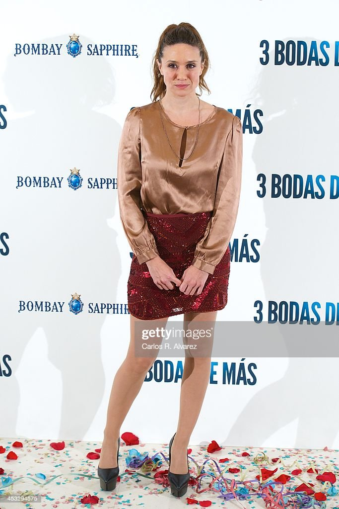Actress <a gi-track='captionPersonalityLinkClicked' href=/galleries/search?phrase=Maria+Botto&family=editorial&specificpeople=789516 ng-click='$event.stopPropagation()'>Maria Botto</a> attends '3 Bodas de Mas' photocall at the Hesperia Hotel on December 3, 2013 in Madrid, Spain.