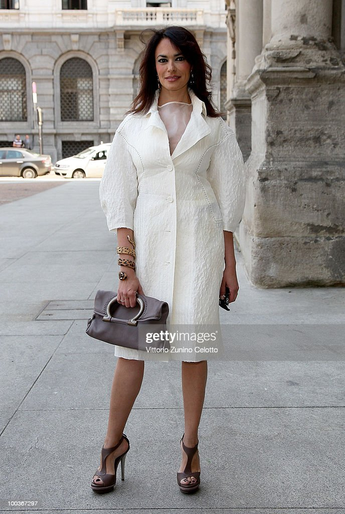 Actress Maria Grazia Cucinotta arrives at Convivio 2010 Press Conference held at Palazzo Marino on May 24, 2010 in Milan, Italy.