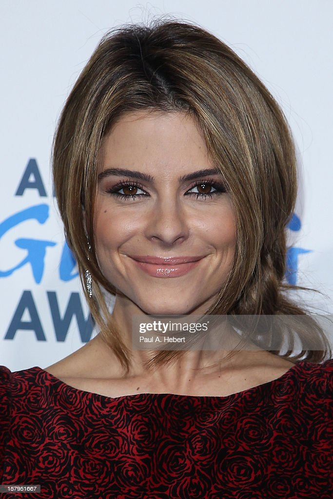 Actress <a gi-track='captionPersonalityLinkClicked' href=/galleries/search?phrase=Maria+Menounos&family=editorial&specificpeople=203337 ng-click='$event.stopPropagation()'>Maria Menounos</a> arrives at the 2nd Annual American Giving Awards presented by Chase held at the Pasadena Civic Auditorium on December 7, 2012 in Pasadena, California.