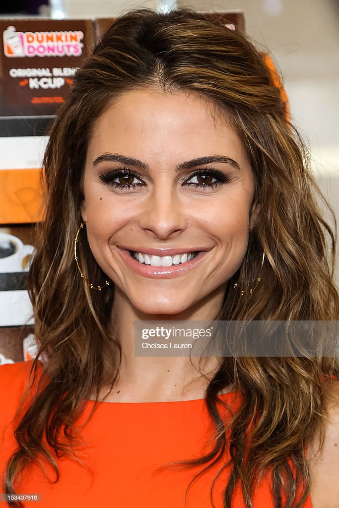 Actress <a gi-track='captionPersonalityLinkClicked' href=/galleries/search?phrase=Maria+Menounos&family=editorial&specificpeople=203337 ng-click='$event.stopPropagation()'>Maria Menounos</a> attends the launch of Dunkin' Donuts K-Cups at Baskin-Robbins on October 4, 2012 in Burbank, California.