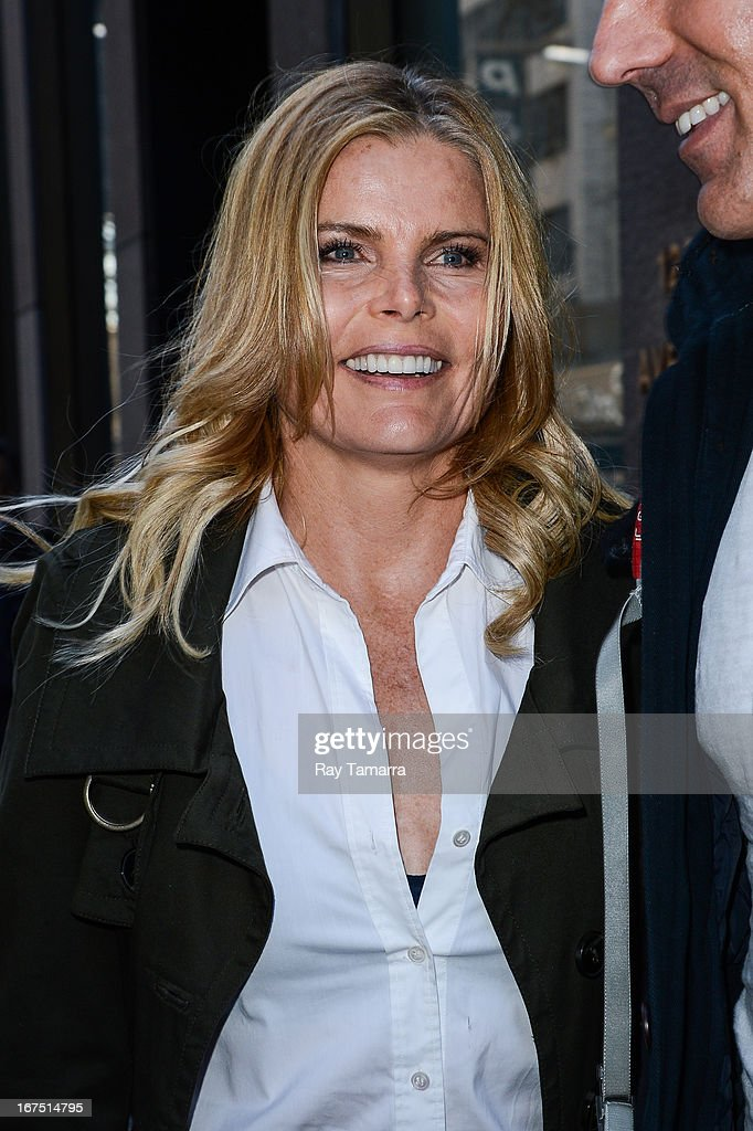 Actress <a gi-track='captionPersonalityLinkClicked' href=/galleries/search?phrase=Mariel+Hemingway&family=editorial&specificpeople=212955 ng-click='$event.stopPropagation()'>Mariel Hemingway</a> leaves the Sirius XM studios on April 25, 2013 in New York City.