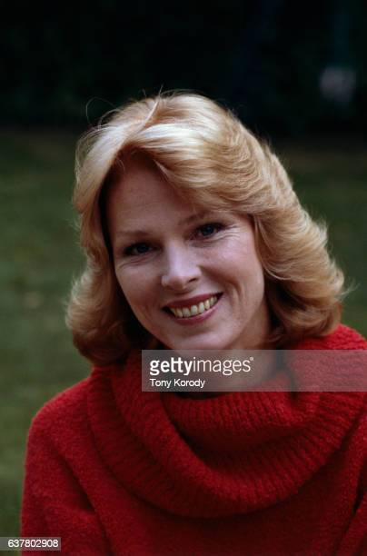 Mariette Hartley Stock Photos and Pictures | Getty Images