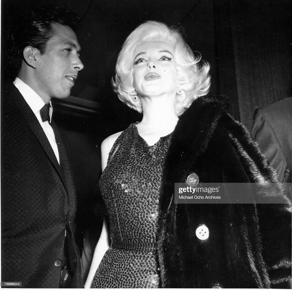 Actress <a gi-track='captionPersonalityLinkClicked' href=/galleries/search?phrase=Marilyn+Monroe&family=editorial&specificpeople=70021 ng-click='$event.stopPropagation()'>Marilyn Monroe</a> attends the Golden Globe Awards where she won the 'Henrietta' award at the Beverly Hilton Hotel on March 5, 1962 in Los Angeles, California.