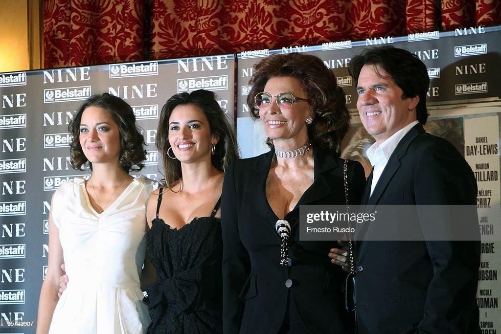 Actress Marion Cotillard actress Penelope Cruz italian actress Sophia Loren and director Rob Marshall attend the 'Nine' photocall at St Regis Hotel...