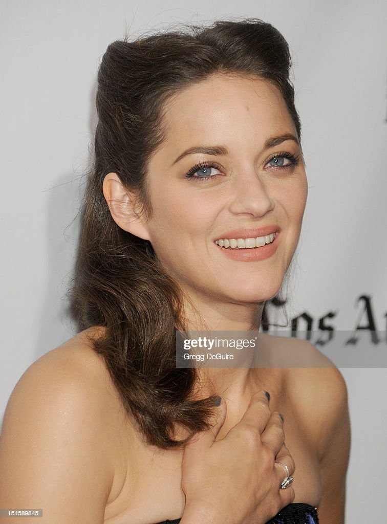 Actress <a gi-track='captionPersonalityLinkClicked' href=/galleries/search?phrase=Marion+Cotillard&family=editorial&specificpeople=215303 ng-click='$event.stopPropagation()'>Marion Cotillard</a> arrives at the 16th Annual Hollywood Film Awards Gala presented by the Los Angeles Times at The Beverly Hilton Hotel on October 22, 2012 in Beverly Hills, California.