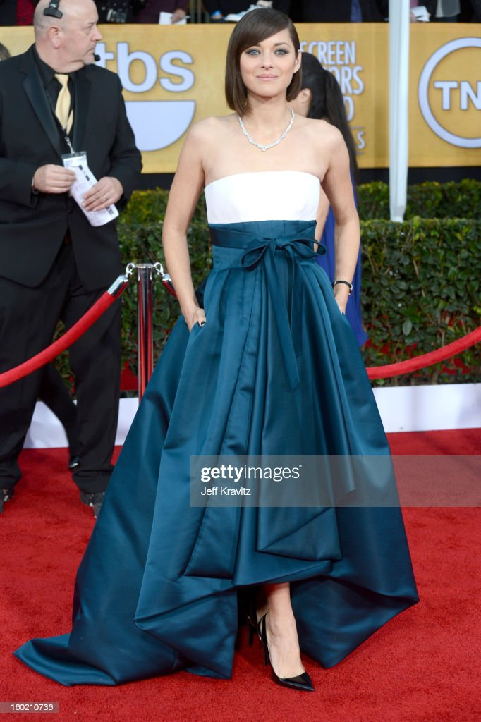 Actress <a gi-track='captionPersonalityLinkClicked' href=/galleries/search?phrase=Marion+Cotillard&family=editorial&specificpeople=215303 ng-click='$event.stopPropagation()'>Marion Cotillard</a> arrives at the 19th Annual Screen Actors Guild Awards held at The Shrine Auditorium on January 27, 2013 in Los Angeles, California.