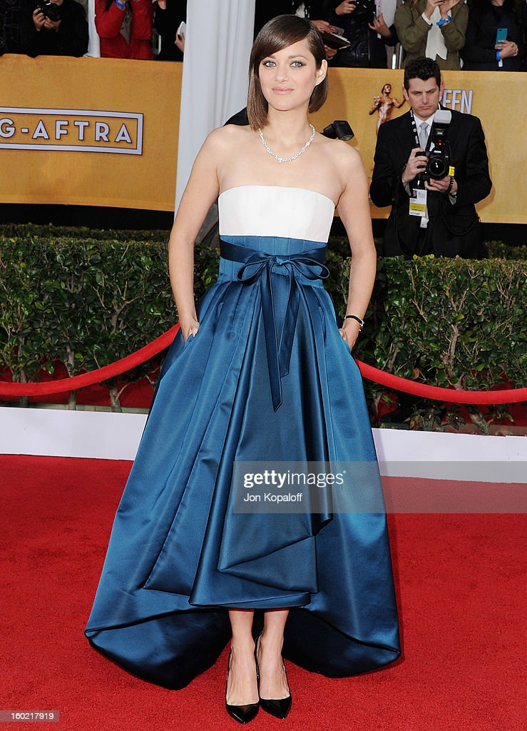 Actress Marion Cotillard arrives at the 19th Annual Screen Actors Guild Awards at The Shrine Auditorium on January 27, 2013 in Los Angeles, California.