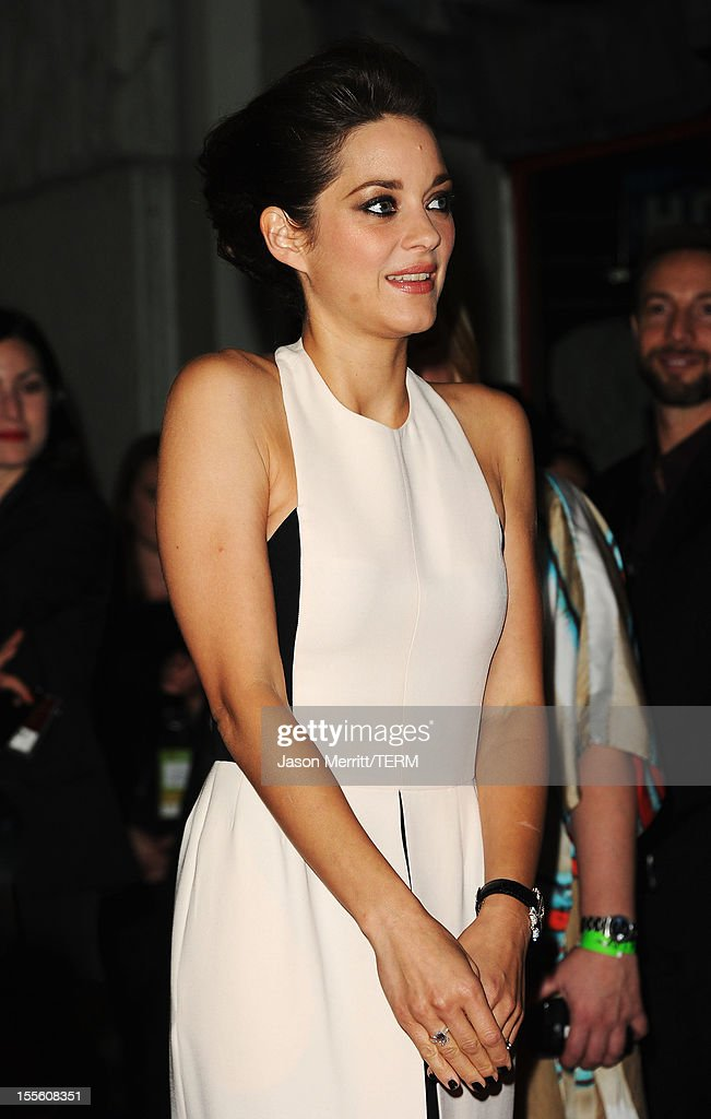 Actress <a gi-track='captionPersonalityLinkClicked' href=/galleries/search?phrase=Marion+Cotillard&family=editorial&specificpeople=215303 ng-click='$event.stopPropagation()'>Marion Cotillard</a> arrives at the premiere of 'Rust and Bone' during the 2012 AFI Fest presented by Audi at Grauman's Chinese Theatre on November 5, 2012 in Hollywood, California.