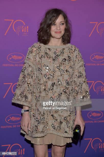 Actress Marion Cotillard attends the Opening Gala dinner during the 70th annual Cannes Film Festival at Palais des Festivals on May 17 2017 in Cannes...