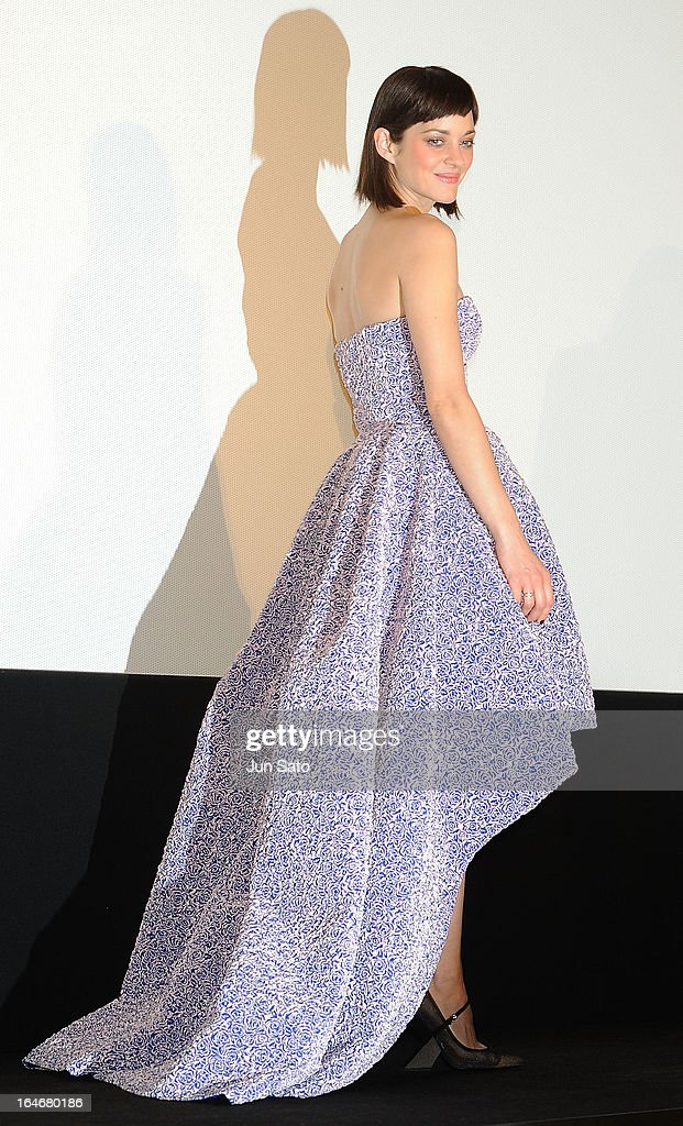 Actress Marion Cotillard attends the 'Rust And Bone (De rouille et d'os)' Japan Premiere at Marunouchi Piccadilly on March 26, 2013 in Tokyo, Japan.