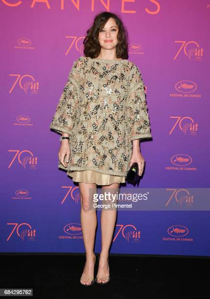 Actress Marion Cotillardattends the Opening Gala dinner during the 70th annual Cannes Film Festival at Palais des Festivals on May 17 2017 in Cannes...