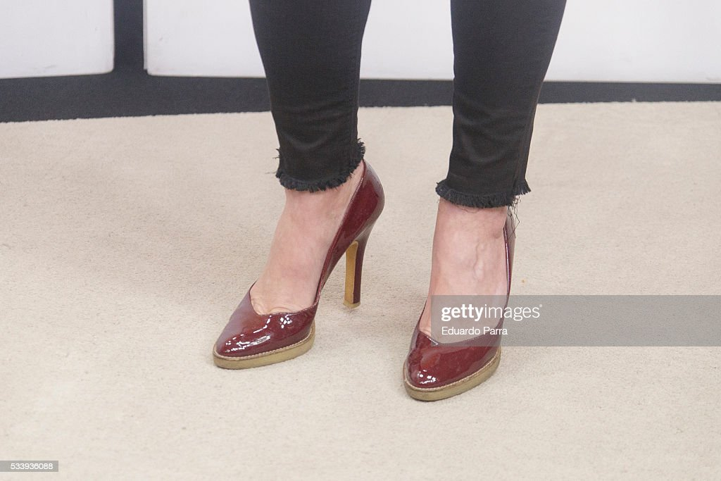 Actress <a gi-track='captionPersonalityLinkClicked' href=/galleries/search?phrase=Marisa+Jara&family=editorial&specificpeople=624415 ng-click='$event.stopPropagation()'>Marisa Jara</a>, shoes detail, attends 'El hombre de tu vida' press conference at RTVE studios on May 24, 2016 in Madrid, Spain.