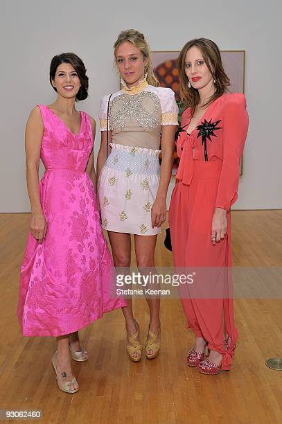 Actress Marisa Tomei actress Chloë Sevigny and art director Liz Goldwyn attend the MOCA NEW 30th anniversary gala held at MOCA on November 14 2009 in...