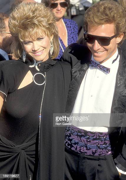 Actress Markie Post and husband writer Michael A Ross attend the 38th Annual Primetime Emmy Awards on September 21 1986 at Pasadena Civic Auditorium...