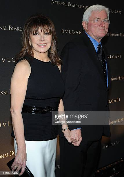Actress Marlo Thomas and journalist Phil Donahue attends the 2007 National Board of Review of Motion Pictures Annual Awards Gala at Cipriani 42nd...